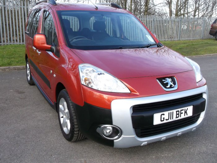 Peugeot Partner Tepee 1.6 HDi 112 Outdoor 5dr MPV Diesel Red