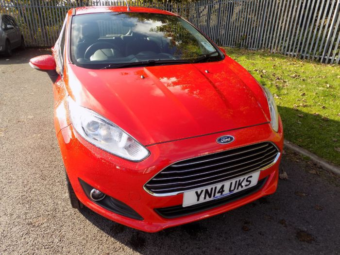 Ford Fiesta 1.25 82 Zetec 5dr Hatchback Petrol Red