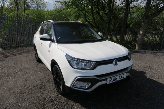 SsangYong Tivoli 1.6 D XLV ELX 5dr 4X4 Auto Estate Diesel White at Bescol Motors Bishop Auckland