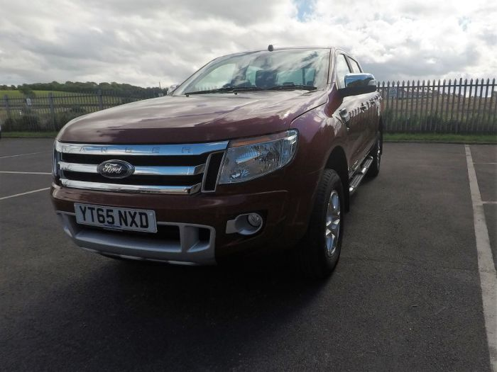 Ford Ranger Pick Up Double Cab Limited 3.2 TDCi 4WD Pick Up Diesel Red