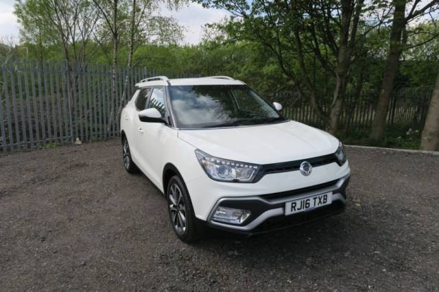 SsangYong Tivoli 1.6 D ELX 5dr Auto Estate Diesel White at Bescol Motors Bishop Auckland